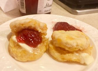 strawberrycheesebiscuit